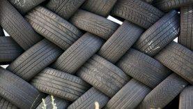 Atliekas tvarkančios įmonės įpareigotos susitvarkyti po bankroto ir atlyginti žalą po nelaimės