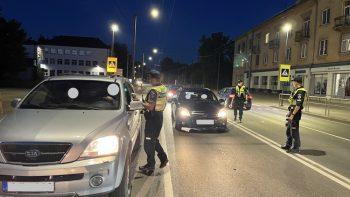 Pareigūnai vijosi neblaivią ir dėl išgąsčio sustoti nepanorusią vairuotoją