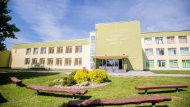 Permainų sūkurys Čekiškėje vis dar sukasi aplink gimnaziją