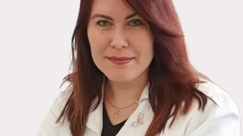 Šeimos gydytojos patarimai besiruošiantiems atostogauti: komplektuojant kelionių vaistinėlę nereikėtų persistengti