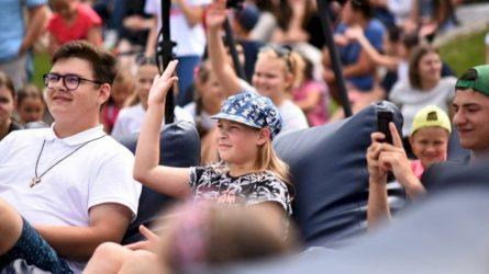 """""""Tūkstantmečio vaikų akademiją"""" lankys 200 Vilniaus savivaldybės apdovanotų moksleivių"""