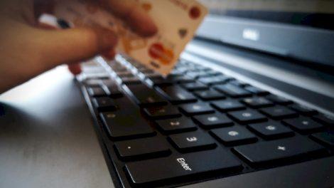 Verslininkai, vaikydamiesi naudos, išjungia visus apsauginius saugiklius ir praranda tūkstančius eurų