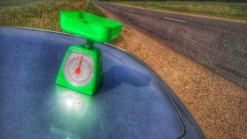 Kelių direkcija įspėja: prekyba gamtos gėrybėmis pakelėse kelia pavojų eismo saugumui