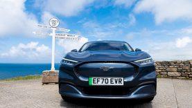 """Elektrinis """"Ford Mustang Mach-E"""" pakėlė kartelę visiems elektromobiliams – įamžintas pasaulinis efektyvumo rekordas"""