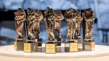 Vilniaus Rotušėje iškilmingai įteiktos Šv. Kristoforo statulėlės