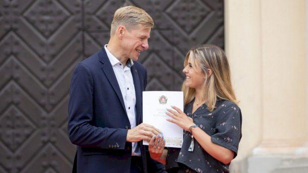 Vilnius sveikina daugiau kaip pusę tūkstančio sostinės abiturientų šimtukininkų