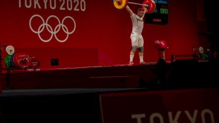 Tokijuje tikslą pasiekęs sunkiaatletis Arnas Šidiškis pakeliui olimpinės svajonės link per dieną yra kėlęs ir po 20 tonų