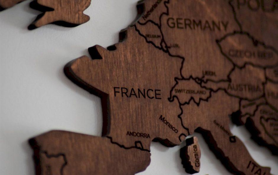 Nuo pirmadienio izoliacija privaloma keliautojams iš Estijos, Islandijos, Švedijos ir Suomijos