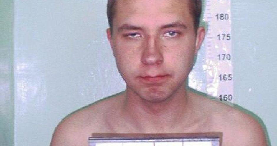 """Jungtinėje Karalystėje sulaikytas asmuo, siejamas su """"Kamuolių"""" ginkluotu nusikalstamu susivienijimu, kuris įtariamas, beveik prieš du dešimtmečius tyčia, ypač žiauriai ir brutaliai nužudęs aštuoniolikmetę"""