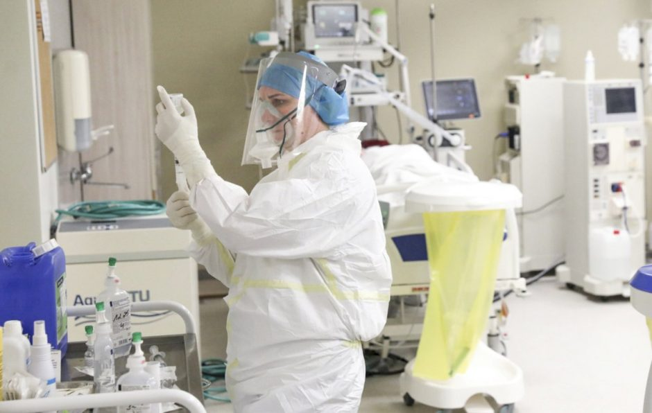 Respublikinėje Šiaulių ligoninėje daugėja COVID-19 pacientų – gali nukentėti planinės paslaugos