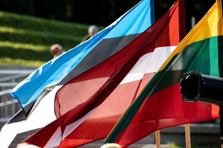 Šiauliečiai rinkosi atminti Baltijos kelio dieną