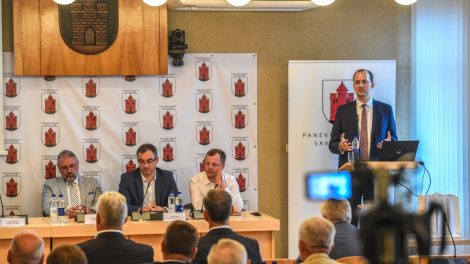 Susitikime su ministru M. Skuodžiu Panevėžio regiono merai palankiai įvertino Susisiekimo ministerijos inicijuotą kelių finansavimo pertvarką