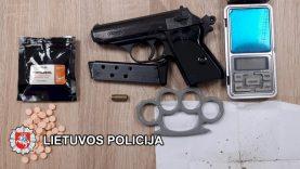Klaipėdos kriminalistai kelių operacijų metu, su įkalčiais sulaikė 10 asmenų, įtartų narkotinių medžiagų disponavimu