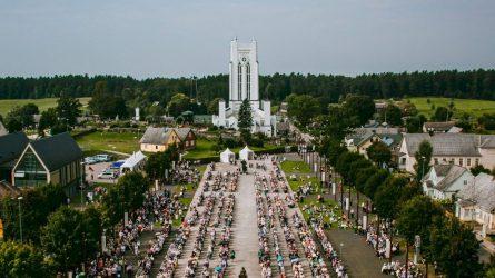 Bendruomenių dieną Šiluvoje paminėtas Žemaičių vyskupystės įsteigimo 600 metų jubiliejus
