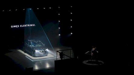 """Lietuvoje – išankstinė naujos kartos elektromobilių """"BMW iX"""" ir """"i4"""" premjera"""