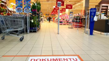 """""""Maxima"""" skelbia parduotuvių sąrašą, kur pirkėjai bus įleidžiami su Galimybių pasu"""