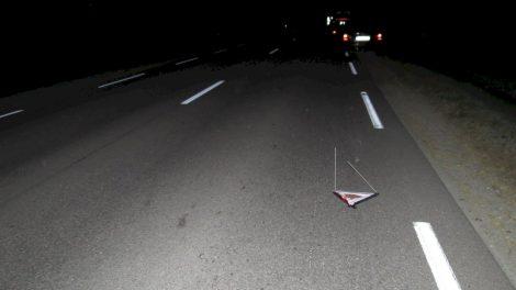 Skaudi patirtis tamsiame kelyje: automobilio ratą keitusiam vyrui  kitas automobilis pervažiavo kojas