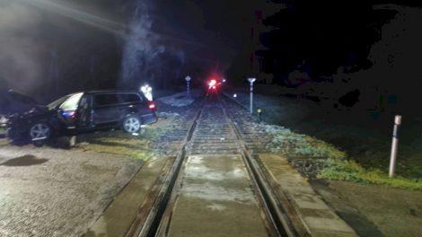 Rudens tamsa  vairuotojus įpareigoja būti atidesnius,  o ypač geležinkelio pervažose
