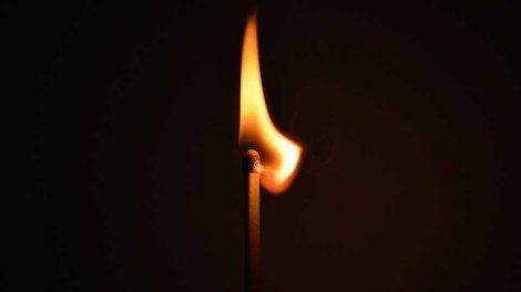 Padegimais Kelmėje įtariamas vyras suimtas mėnesiui
